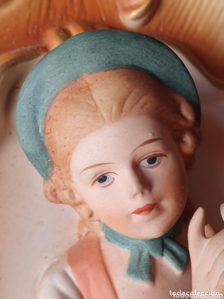 Antigüedades: PRECIOSA FIGURA DE JOVEN CON PALOMA REALIZADA EN BISCUIT POSIBLEMENTE ALEMANA - Foto 7 - 173259107
