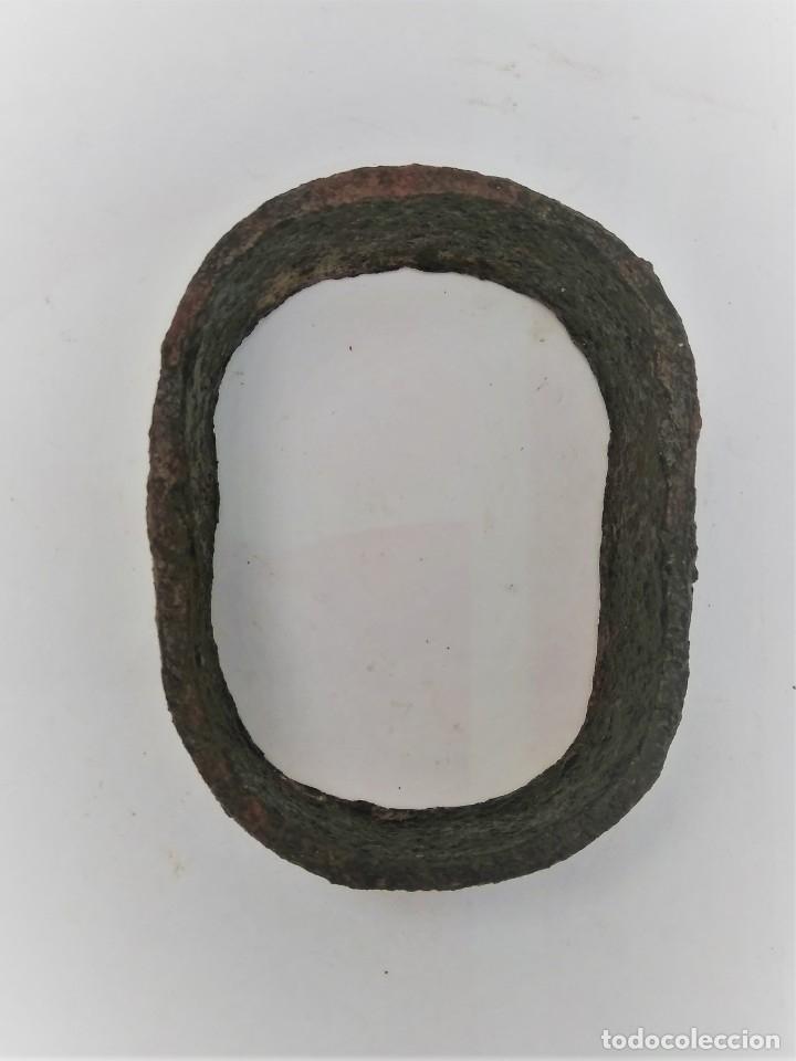 Antigüedades: Pieza de carro de mulas de 7,5 cms. x 5,5 - Foto 2 - 173399133