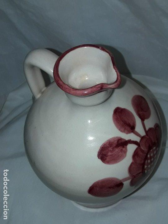 Antigüedades: Preciosa jarra vinagrera aceitera Cerámica Puente del Arzobispo hecha y pintada a mano 21cm - Foto 9 - 173409309