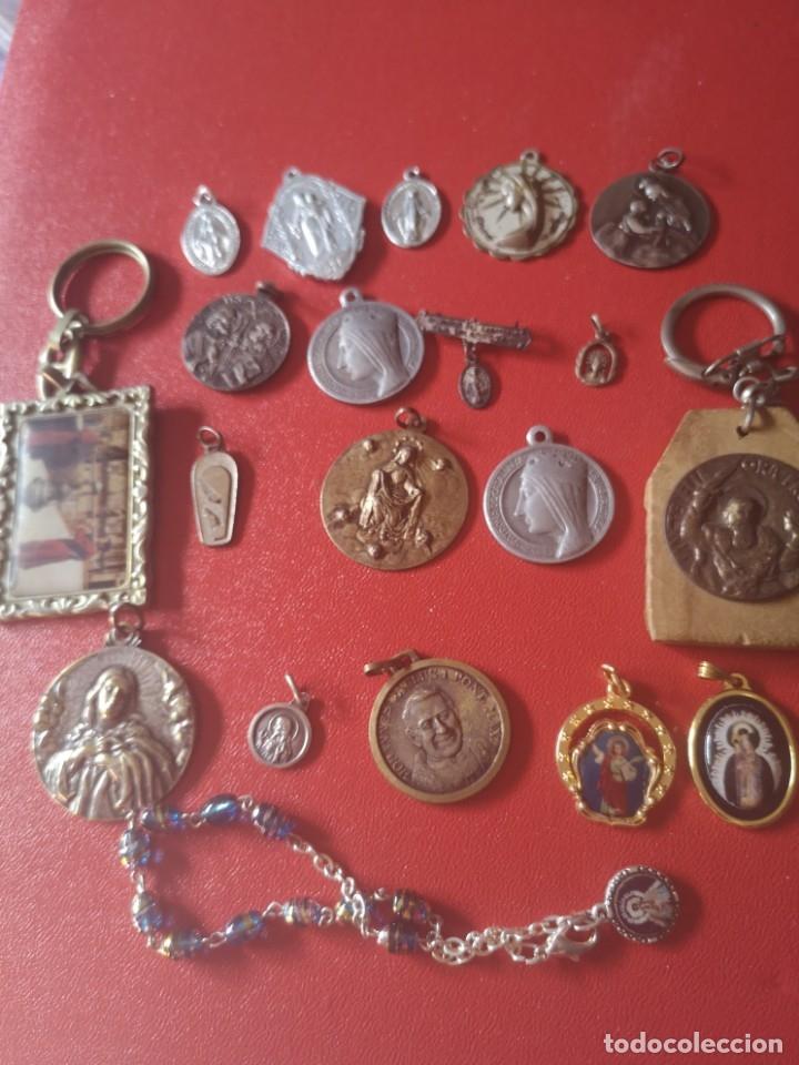 LOTE DE MEDALLAS ANTIGUAS Y MODERNAS Y MAS (Antigüedades - Religiosas - Medallas Antiguas)