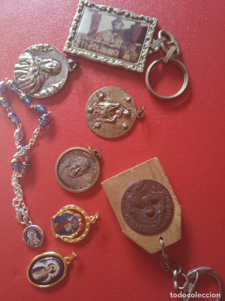 Antigüedades: Lote de medallas antiguas y modernas y mas - Foto 6 - 173464350