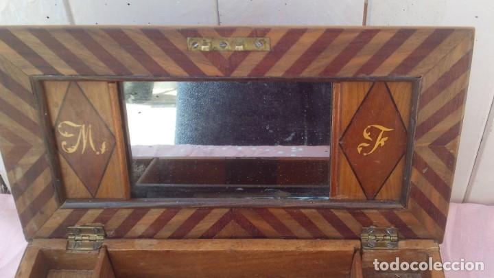 Antigüedades: caja costurera siglo xviii con taracea o marqueteria de frutales ,cajones en el interior - Foto 4 - 173549574