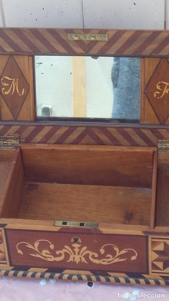 Antigüedades: caja costurera siglo xviii con taracea o marqueteria de frutales ,cajones en el interior - Foto 6 - 173549574