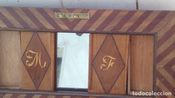 Antigüedades: caja costurera siglo xviii con taracea o marqueteria de frutales ,cajones en el interior - Foto 7 - 173549574