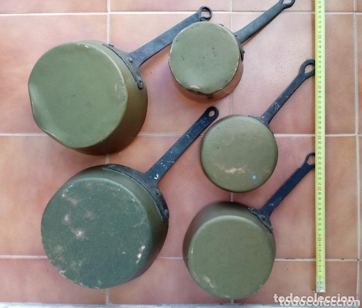 Antigüedades: Antiguas cazuelas o cazos de cobre y mangos de forja - Foto 2 - 173581638