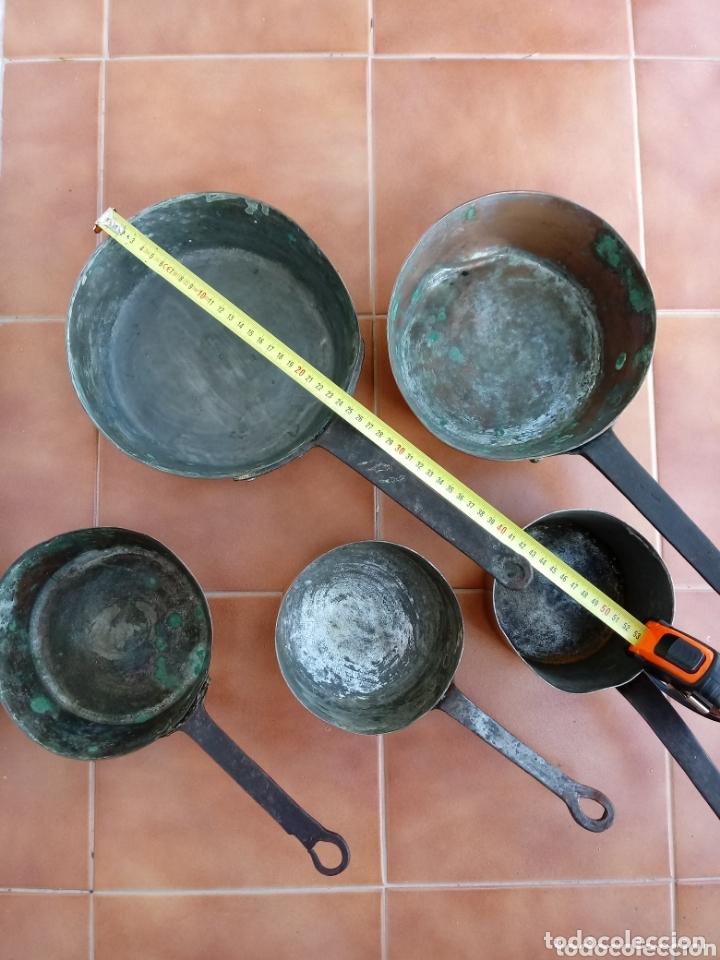 Antigüedades: Antiguas cazuelas o cazos de cobre y mangos de forja - Foto 3 - 173581638