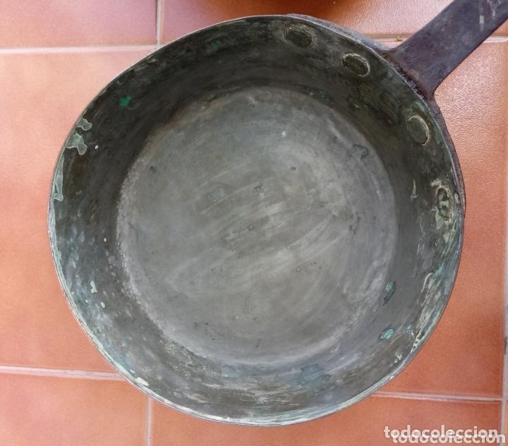 Antigüedades: Antiguas cazuelas o cazos de cobre y mangos de forja - Foto 15 - 173581638