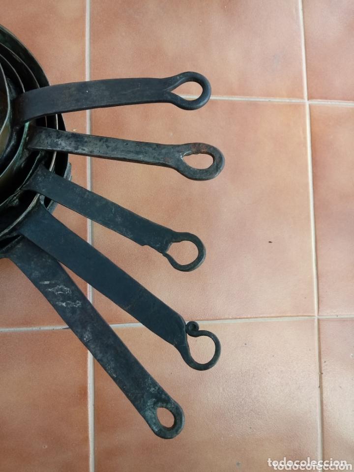 Antigüedades: Antiguas cazuelas o cazos de cobre y mangos de forja - Foto 17 - 173581638