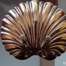 Antigüedades: PRECIOSA CONCHA DE ALPACA PLATEADA IMPECABLE PARA BAUTIZAR U OTROS USOS. Lote 173588283