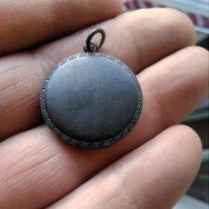 Antigüedades: ANTIGUO RELICARIO O GUARDAPELOS. Lote 173591229