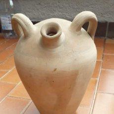 Antigüedades: ANTIGUO BOTIJO DE BARRO MEDIDAS 28 CM X 18 CM. Lote 173600785