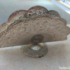 Antigüedades: ANTIGUO SERVILLETERO VIRGEN DE LA CUEVA SANTA. Lote 173605940