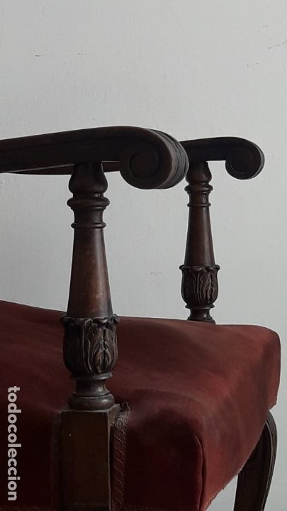 Antigüedades: SILLÓN TIPO TRONO DE MADERA TALLADA Y TERCIOPELO. - Foto 8 - 173606988