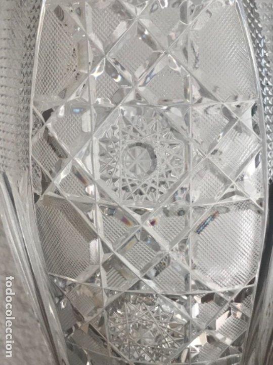 Antigüedades: Gran Jarrón - centro de mesa - cristal tallado Bohemia -base de plata de ley - con punzones . - Foto 2 - 173620612