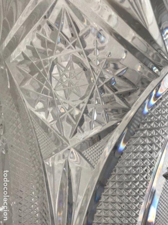 Antigüedades: Gran Jarrón - centro de mesa - cristal tallado Bohemia -base de plata de ley - con punzones . - Foto 5 - 173620612