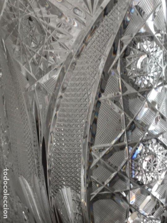 Antigüedades: Gran Jarrón - centro de mesa - cristal tallado Bohemia -base de plata de ley - con punzones . - Foto 13 - 173620612