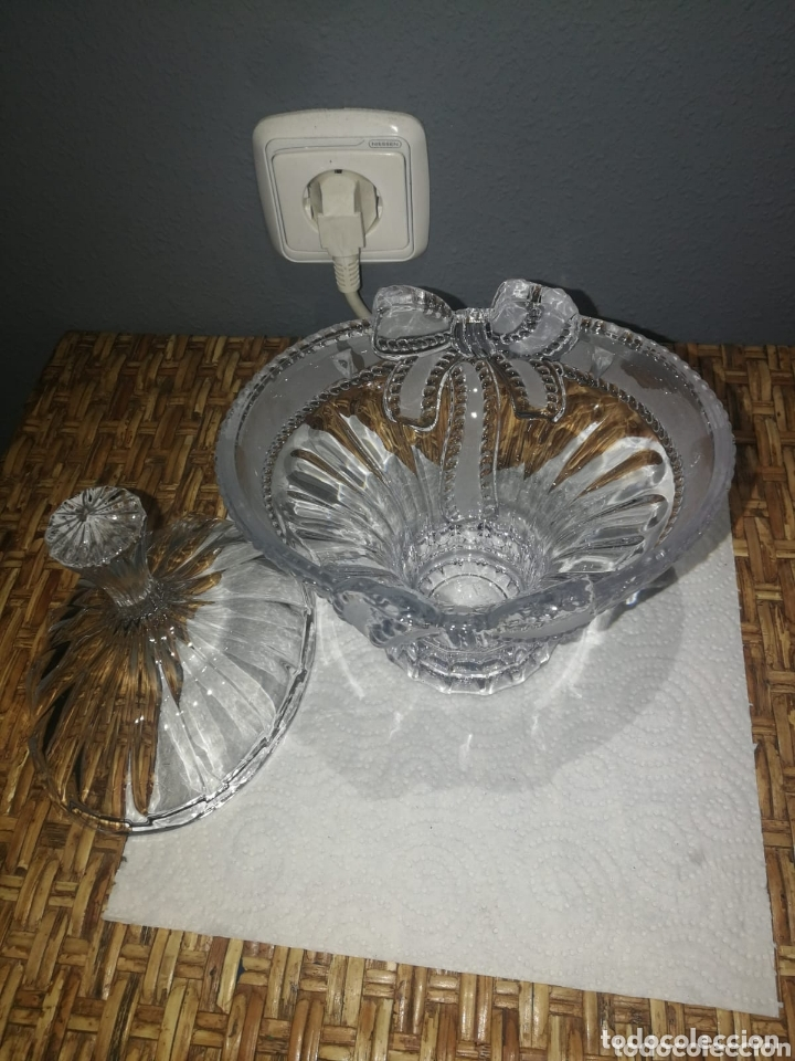 Antigüedades: Bombonera antigua preciosa de cristal grueso tallado - Foto 2 - 173625565