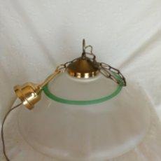 Antigüedades: LAMPARA DE TECHO CON GRAN TULIPA DE CRISTAL OPACO 45 CM. . Lote 173648019