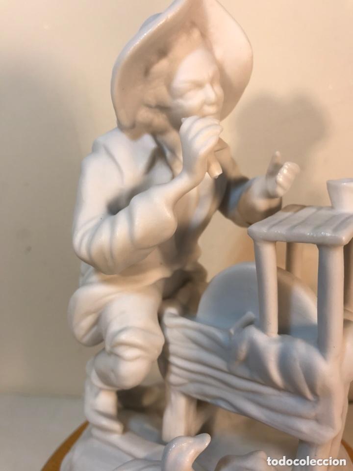 Antigüedades: Figura Porcelana Biscuit- Cebreros- Afilador- 19 cm - Foto 3 - 173653492