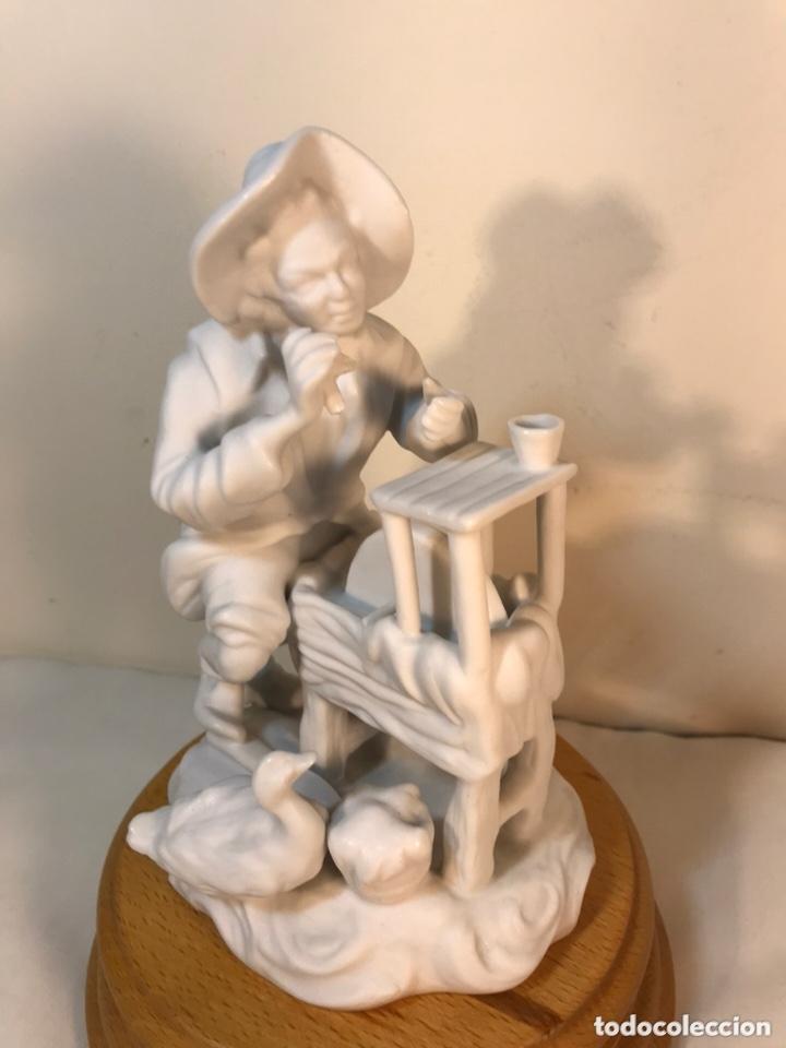 Antigüedades: Figura Porcelana Biscuit- Cebreros- Afilador- 19 cm - Foto 4 - 173653492
