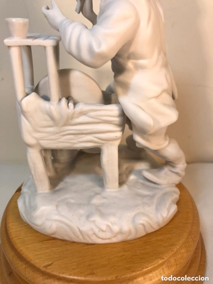 Antigüedades: Figura Porcelana Biscuit- Cebreros- Afilador- 19 cm - Foto 13 - 173653492