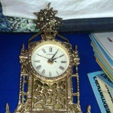Antigüedades: RELOJ DE MESA DE METAL. Lote 173653997