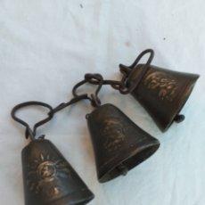 Antigüedades: 3 ESQUILAS, CAMPANILLAS, CENCERROS, CAMPANAS. Lote 173668779