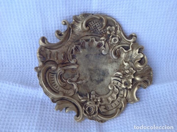 CENICERO DE BRONCE ROCOCO. PPIOS S. XX (Antigüedades - Hogar y Decoración - Ceniceros Antiguos)