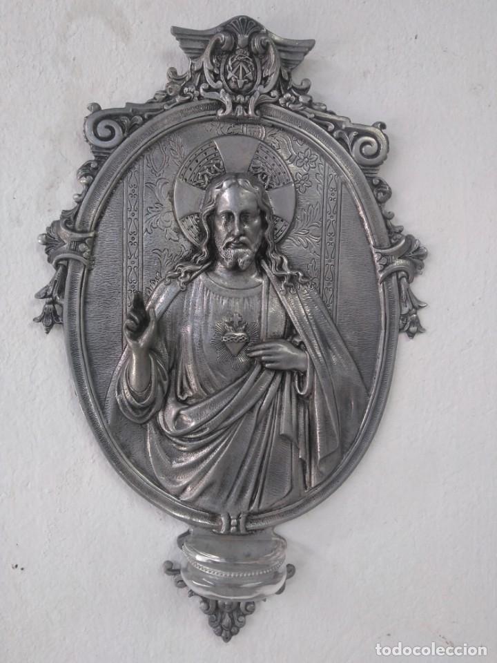 ANTIGUA BENDITERA GRAN TAMAÑO, DE ESTAÑO Y CRISTAL (Antigüedades - Religiosas - Benditeras)