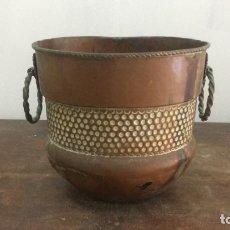 Antigüedades: CUENCO MACETERO DE COBRE CON MEDIDAS 21X19 CM. Lote 173800949