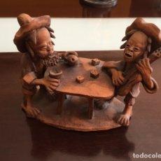 Antigüedades: ANTIGUA PAREJA BORRACHOS TALLADOS EN TERRACOTA . Lote 173802144