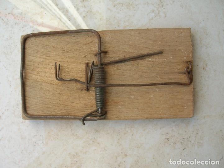 ANTIGUA RATONERA.TAMAÑO: 12 CTMAS. (Antigüedades - Técnicas - Rústicas - Caza)