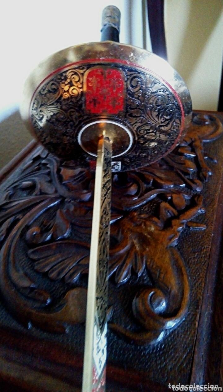 Antigüedades: Florete toledano. Con grabados y escudos Damasquinado. Arte toledano - Foto 8 - 173813593