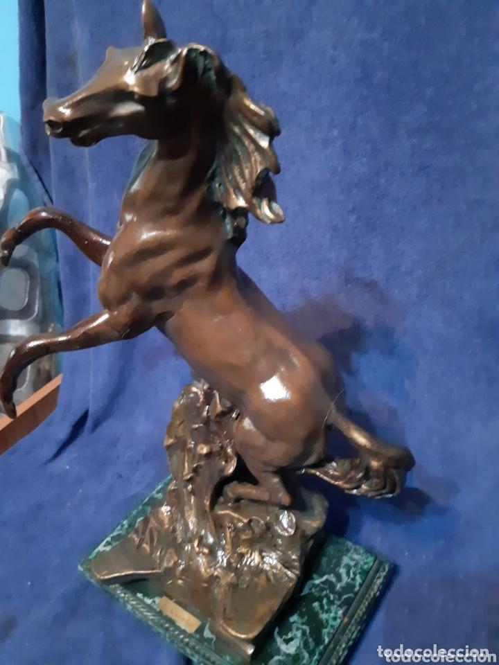 Antigüedades: Caballo en porcelanina realizada por la escultora Rosa Quintín - Foto 6 - 173814343