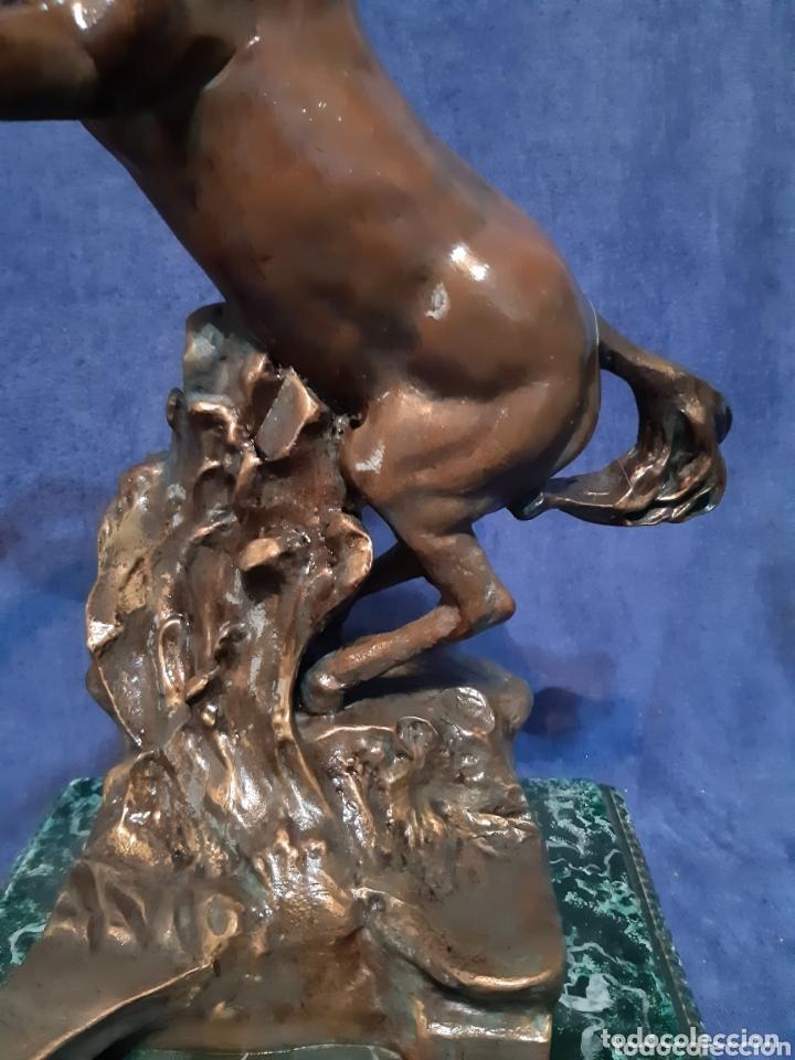 Antigüedades: Caballo en porcelanina realizada por la escultora Rosa Quintín - Foto 11 - 173814343