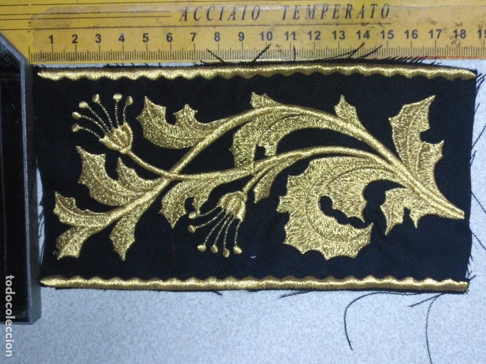 BORDADO RELIGIOSO DORADO ORO SOBRE NEGRO - IDEAL SEMANA SANTA BANDA MUSICA AGRUPACION MUSICAL (Antigüedades - Religiosas - Artículos Religiosos para Liturgias Antiguas)