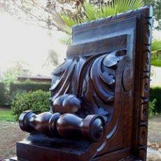 Antigüedades: IMPORTANTE MENSULA - CAPITEL DE MADERA TALLADA A MANO. MEDIDADOS DEL SIGLO XIX. EXQUISITO TALLADO.. Lote 173831772