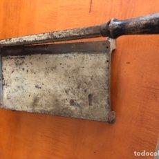 Antigüedades: GUILLOTINA DENTADA ANTIGUA. Lote 173850839