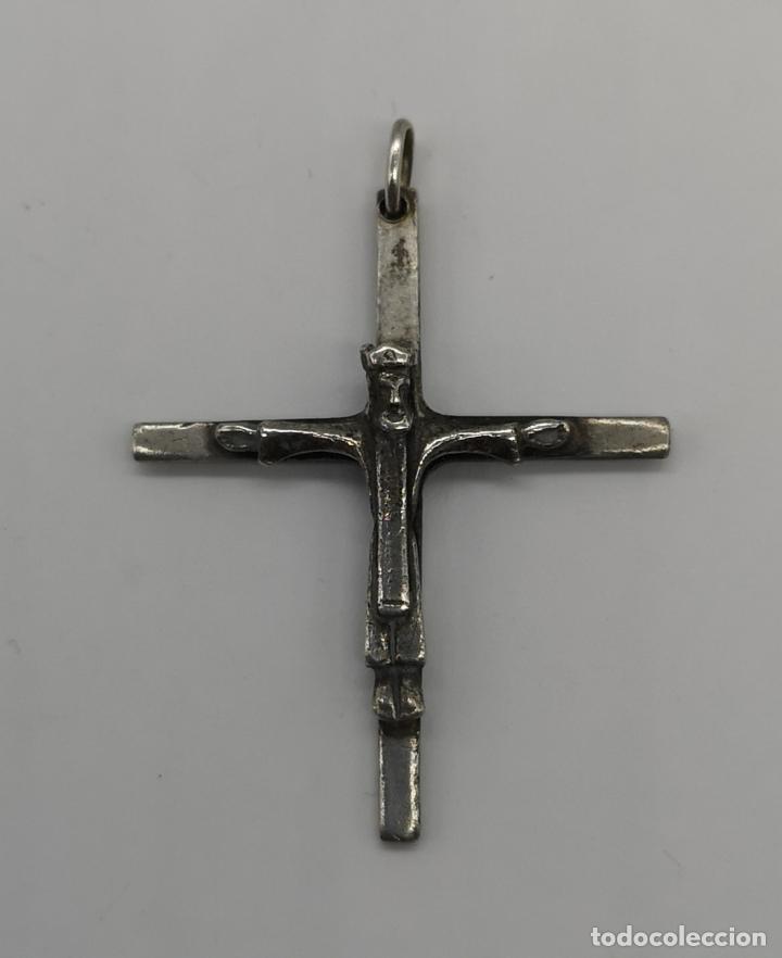 Antigüedades: Cruz antigua con cristo coronado en plata de ley maciza . - Foto 3 - 173872412