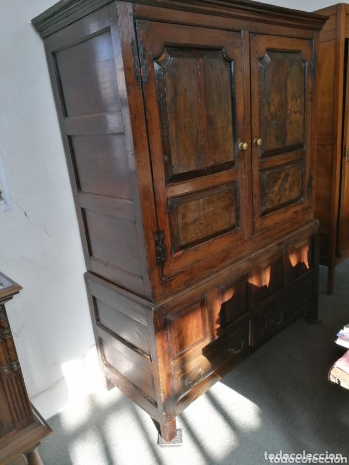 ARMARIO DE CASTAÑO MUY ANTIGUO DEL NORTE DE ESPAÑA (Antigüedades - Muebles Antiguos - Armarios Antiguos)