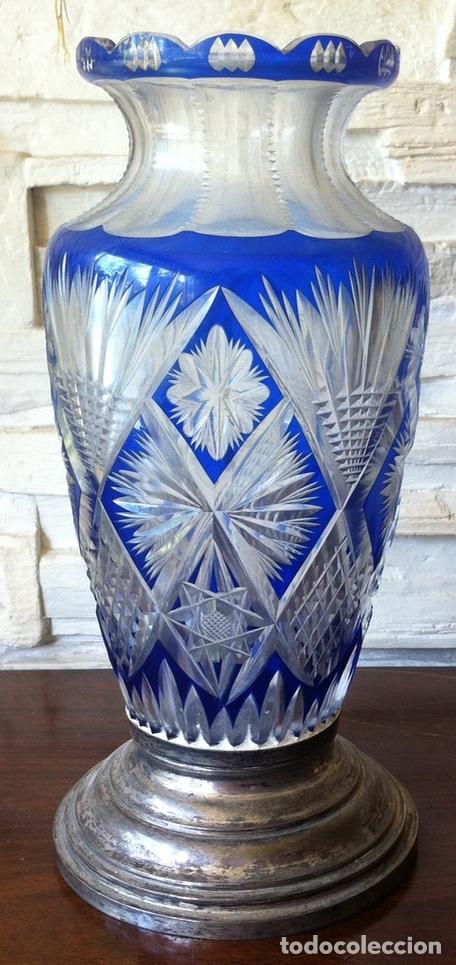 ANTIGUO JARRÓN EN CRISTAL DE BOHEMIA TALLADO - PIE EN PLATA, TRANSFORMADO EN LÁMPARA AÑOS 50 (Antigüedades - Cristal y Vidrio - Bohemia)