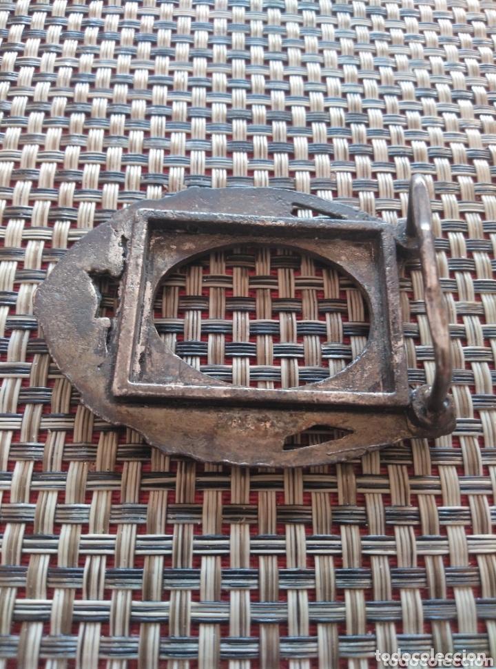 Antigüedades: Pequeño marco metal grabado bronce 7 x 5 cm - Foto 4 - 173916270