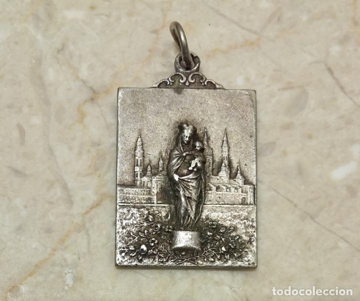 ANTIGUA MEDALLA VIRGEN DEL PILAR AÑOS 20 - PLATA DE LEY PUNZONADA ( CONSERVA PATINA ) (Antigüedades - Religiosas - Medallas Antiguas)