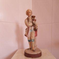 Antigüedades: ANTIGUA FIGURA DE CABALLERO. Lote 161741368