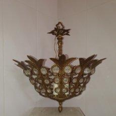 Antigüedades: PRECIOSA Y ANTIGUA LAMPARA DE METAL Y CRISTAL PARA TECHO. Lote 167167797