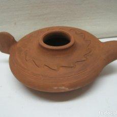 Antigüedades: GRAN TAMAÑO LAMPARA DE ACEITE O LUCERNA EN TERRACOTA BARRO COCIDO. Lote 174030360