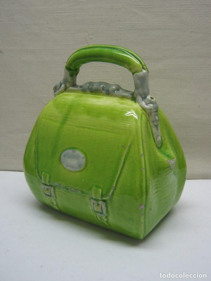 Antigüedades: Antiguo botijo con forma de bolso - Foto 2 - 174032640
