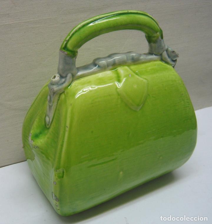 Antigüedades: Antiguo botijo con forma de bolso - Foto 3 - 174032640