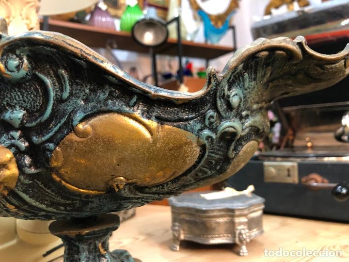 Antigüedades: FANTASTICO CENTRO DE MESA DE BRONCE CON MEDIDAS 42X22X24 CM - Foto 3 - 174039409