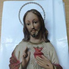 Antigüedades: ANTIGUO JESUS SAGRADO CORAZON EN ESCAYOLA 40 CM. Lote 174046774
